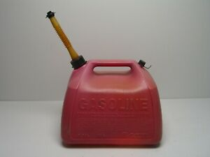 Vintage 5 Gallon Red Vented Plastic Gas Can Gott Rubbermaid