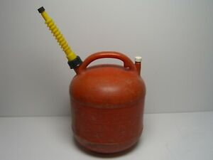 Vintage Eagle 5 Gallon Red Vented Plastic Gas Can Model Pg 5