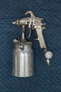 Binks 69 Spray Gun Great Shape Works Fine Comes With Regulator Sold As Is