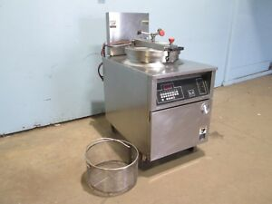 bki fkm fc Commercial Hd Digital 208v 3 Electric Pressure Fryer W filtration