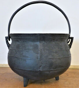 Antique 18th C 19th C American Cast Iron Gate Pot Kettle Cauldron 3 Leg 2