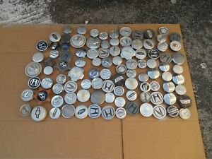 Lot Of 100 Small Used Oem Wheel Center Caps Jeep Ford Chevy Nissan Cadillac