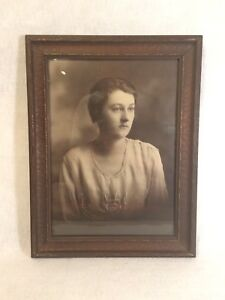 Antique Vintage Wood Wooden Picture Frame W Photo Black White