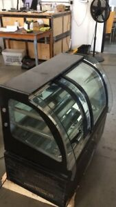 Open Box 220v Refrigerated Cake Showcase Bakery Display Cabinet Open The Front