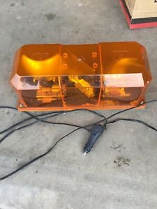 Federal target Tech Mini Light Bar Magnetic Mount Amber Nice Condition