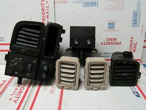 2002 2003 2004 2005 2006 Cadillac Escalade Air Vents And Headlight Switch
