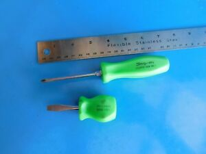 Used Snap On Old Style Hard Handle Green Screwdrivers Stubby Flat