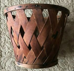Early Apple Basket Made Of Thick Oak Splints With Wood Bottom