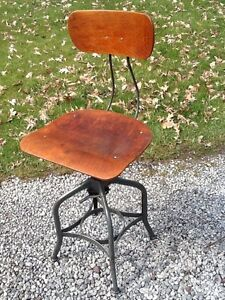 Vtg Toledo Industrial Drafting Wood Metal Stool Adjusts 18 To 24 Very Nice