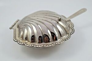 Vintage Leonard Silverplated Shell Butter Dish With Crystal Liner