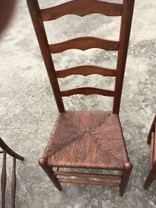 Vintage Table 5 Ladder Back Chairs