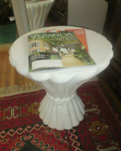 Vintage Mcm Molded White Lucite Side Table