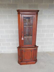 Mahogany Chippendale Style Corner Cabinet 75 5 H X 31 W