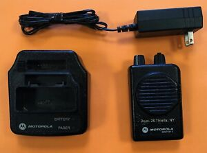Motorola Minitor V Pager Low Band 46 1800 48 9950 1 Channel W charger