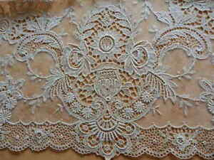 Vintage Netted Lace Table Runner Urns W Flowers Scrolls