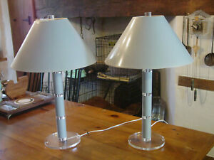 Vintage Mid Century Stacked Column Lucite Arcylic Pair Of Lamps Original Shades