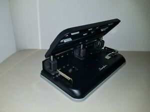 Swingline 2 To 3 Hole Punch 32 Pages Swi74300