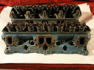 1968 1974 Mopar V8 La Cylinder Head Pair 2843675 Plymouth Dodge Oem 273 318 Cid