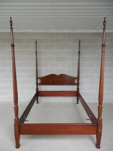 Biggs Chippendale Style Mahogany Full Size Poster Bed