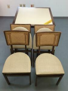 Stakmore Mid Century Modern 32 Card Table 4 Caned Back Chairs Folding