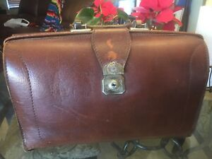 Vintage Brown Leather Doctor Nurse Medical Attach Bag Nice Condition
