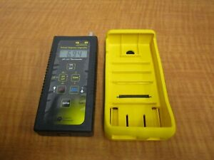 Hach Iq140 Portable Ph mv thermometer Includes Meter Case Instructions New