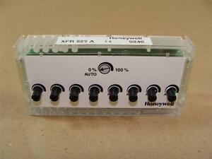 Nice Honeywell Xfr522a Lonmark Controller 8 Analog Output Module Manual Override