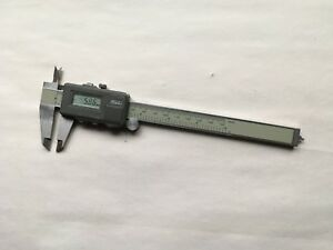 Spi Digital Calipers With Hard Case And 9 Spare Batteries