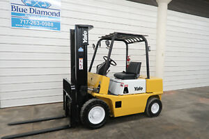Yale Gp050 5 000 Pneumatic Tire Forklift 2 Stage W Freelift Sideshift Forks
