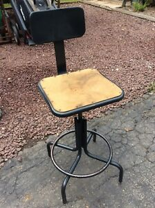 Vtg Metal Industrial Shop Stool Masonite Square 15 Seat Adj 22 To 28 Good