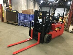 2010 Raymond 3 Wheel Sit Down Forklift 4000lb Cap 80 Lift 36 V W battery