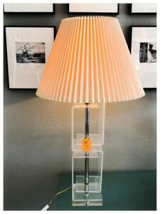 Mid Century Modern Lucite Table Lamp With Lampshade