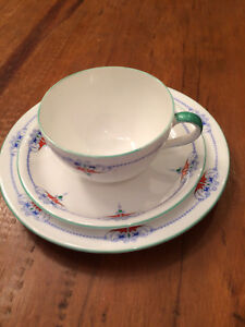 Shelley Tea Cup And Saucer Trio Jewel Swag Pattern Bute Shape Excellent