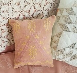 Antique Coverlet Pillow Woven Primitive Piece 7 X 9 Pink Yellow