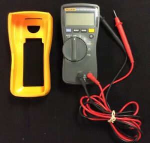 Fluke 114 Multimeter And Case With Leads