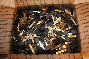 Lot Of Aprox 600 700 Nissan Smart Fobs Hidden Key Blanks Cut Clean Condition