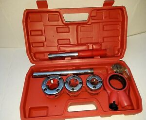 Ratchet Pipe Threader Kit Set Ratcheting W 3 Dies 1 2 3 4 1 and Case