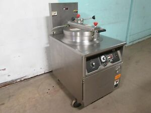 b K I Fkm f Commercial Hd Large Capacity 208v 3ph Electric Pressure Fryer