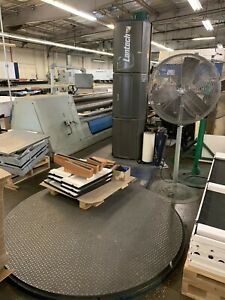 Lantech Q300 Semi Automatic Turntable Pallet Stretch Wrapping Machine