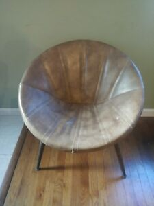 Rare Mid Century Retro Vinyl Tan Saucer Chair