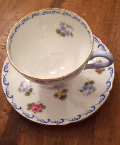 Shelley Rose Pansy And Forget Me Not Tea Cup And Saucer Set W Blue Border