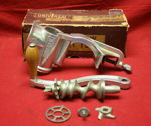 Vintage Hand Crank Meat Grinder Universal Food And Meat Chopper No 1572