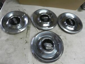 1960 S Oldsmobile Wire Wheel Center Hubcaps Rare 7 1 2 Mount 9 1 2 Overall