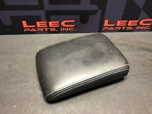 2005 Cadillac Cts v Cts V Oem Center Console Arm Rest Lid