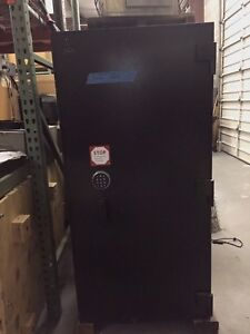 Evidence valuables ammo Gun Locker Safe 60 H X 30 W X 30 D 2 Combo