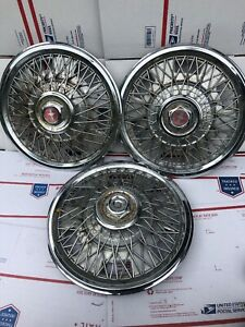 Vintage Ford Mustang 15 Spoke Wire Hubcaps Red Center Low All 3