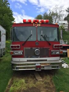 1992 Sutphen Diesel Firetruck Minitower 75 Foot Ladder