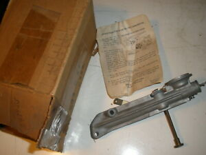 Vintage Nos Briggs Stratton Gas Engine Carburetor 293855