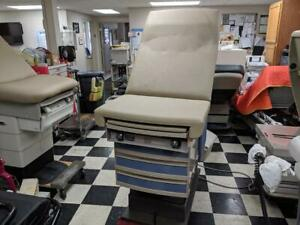 Ritter 305 Medical Exam Table