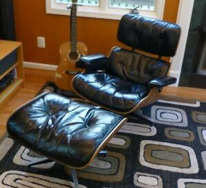 Original Vintage 1950s Eames Herman Miller Lounge Chair And Ottoman